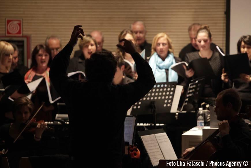 Udine, 22/11/2013 -  Sede Universitˆ di Udine viale Ungheria - Aula A - con Fabio Turchini (coordinatore), don Pierluigi Di Piazza (sulla Povertˆ), padre Ermes Ronchi (Lotta con Dio), mons. Nicola Borgo (Resistenza), Padre Francesco Geremia (Speranza) - coro ÒLe ColoneÓ di Castions di Strada diretto dal M¡Giuseppe Tirelli - Musiche originali di Valter Sivilotti e Reanto Miani - Quartetto d