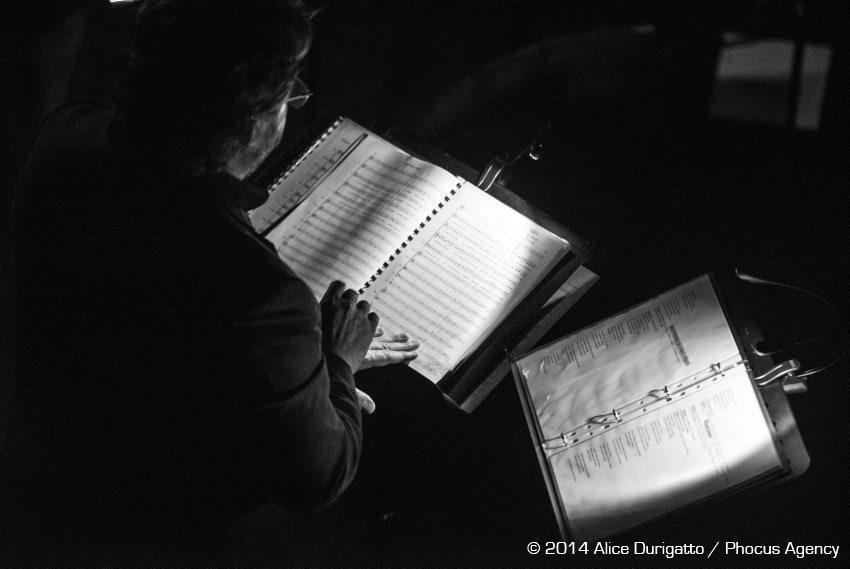 Tricesimo, 13/12/2014 Ð Teatro Luigi Garzoni  - Turoldo Vivo, anteprima: Studio N¡ 1 - Associazione Culturale Coro ÒLE COLONEÓ di Castions di Strada - Coro ÒV™s dal TilimentÓ di Sedegliano - Voci recitanti > Chiara Donada Ð Gianni Nistri - Scenografia > Maurizio Della Negra - Quartetto dÕarchi violino: Lucia Clonfero - violino: Anna Apollonio - viola: Margherita Cossio - violoncello: Antonio Merici - Pianoforte-sintetizzatore > Nicola Tirelli - Percussioni > Francesco Tirelli - Voci soliste > Cristina Mauro Ð Emanuela Mattiussi - Musiche originali > Renato Miani Ð Valter Sivilotti - Adattamenti > Sebastiano Zanetti -Direzione > Giuseppe Tirelli - Regia > Giuliano Bonanni - Foto Alice Durigatto/Phocus Agency © 2014